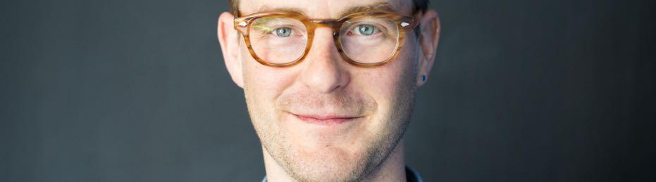 Public speaker David Peck interviews John Bromley on Face2Face